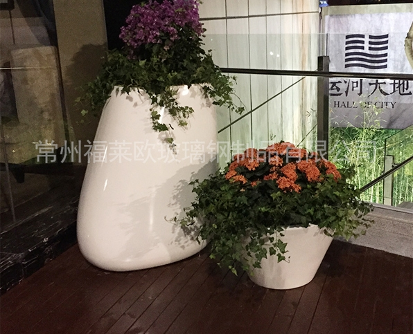 白色玻璃钢花盆组合