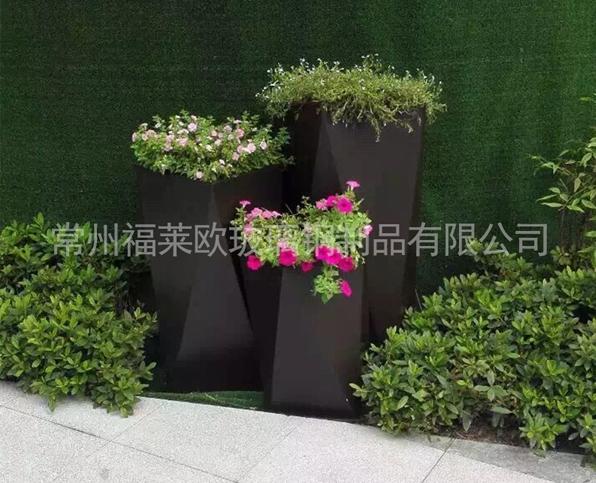 户外黑色玻璃钢花盆组合